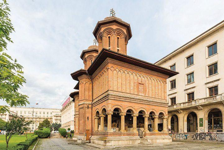 kretzulescu 720x483 Politisti protestatari, pipi pe Biserica Kretzulescu