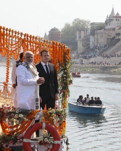 macron 400x500 Macron vrea mai mult Bollywood in Franta