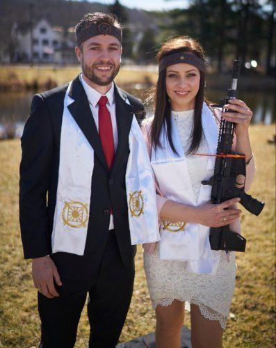 nunta 397x500 Nunta cu mitraliere