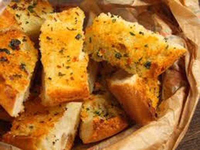 paine 667x500 De aia ne tampim: mancam paine cu paine