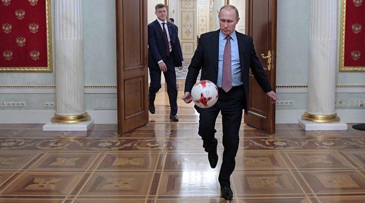 putin 5 720x401 Londra insulta, Putin se dezgusta