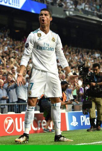 ronaldo 339x500 Miss Bum Bum il da in judecata pe Ronaldo