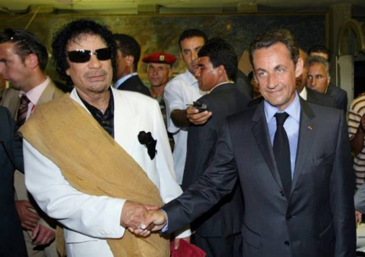 sarko 711x500 Banii lui Gaddafi il leaga pe Sarkozy