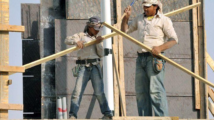 sauditi 1 720x405 Sauditii, dependenti de mana de lucru straina