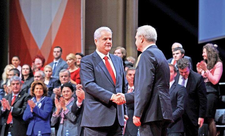 "Adrian Nastase si Liviu Dragnea la Consiliul National al PSD 10776940473 720x436 PSD repeta prostia ""Nastase"""