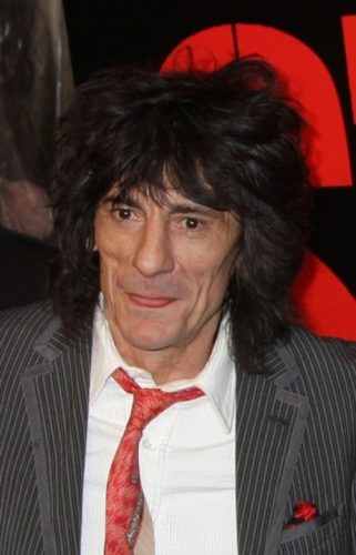 Ronnie Wood 321x500 Ronnie Wood, din Rolling Stones, s a vindecat de cancer