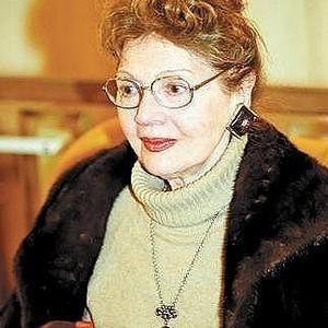 actrita 300x300 A murit actrita Carmen Stanescu