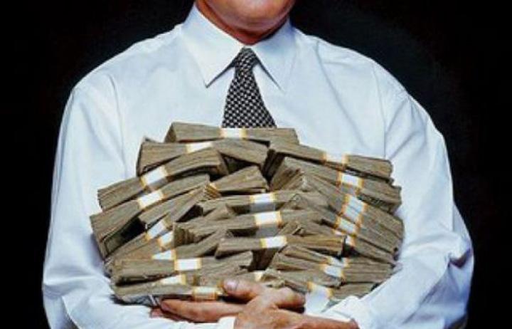 bani banci ROBOR   blestem pentru romani, gaina cu oua de aur pentru banci