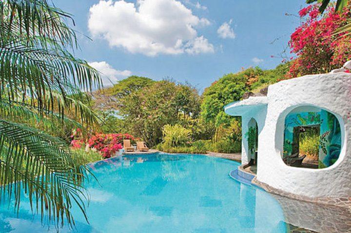 costa ricaa 720x478 A fost la Udrea in Costa Rica!