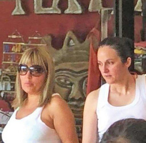elena si alina bica 511x500 A fost la Udrea in Costa Rica!