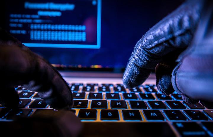 hackers 2 Na, ca s a constipat si server ul STS!