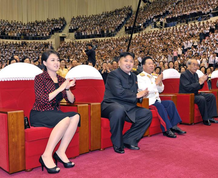 kim nevasta Kim isi face nevasta Prima Doamna