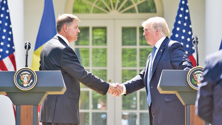 "klaus iohannis donald trump 720x405 SRI are ""cheita"" lui Ghita!"