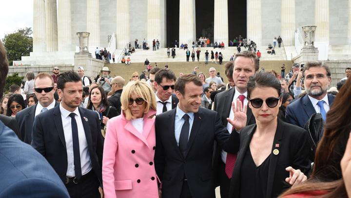lincoln Macron si Trump si au adus nevestele la sapa