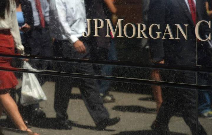 morgan JPMorgan isi muta bancherii la Paris