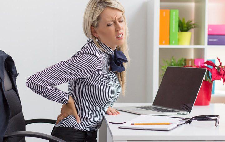 munca la birou dureri de spate 720x455 Statul mult pe scaun afecteaza creierul
