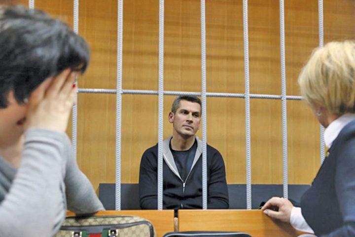 rus arestat 720x480 Cel mai bogat rus, arestat pentru ca a ciordit de la stat
