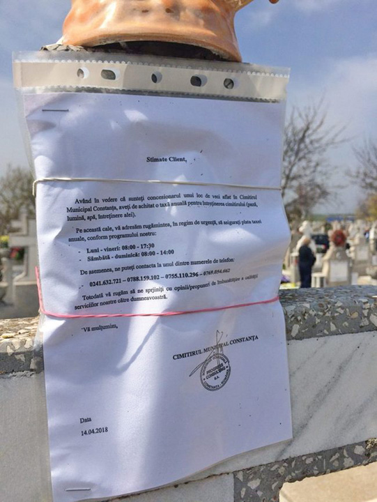 taxecimitir1 Notificari de plata pe crucile din cimitir
