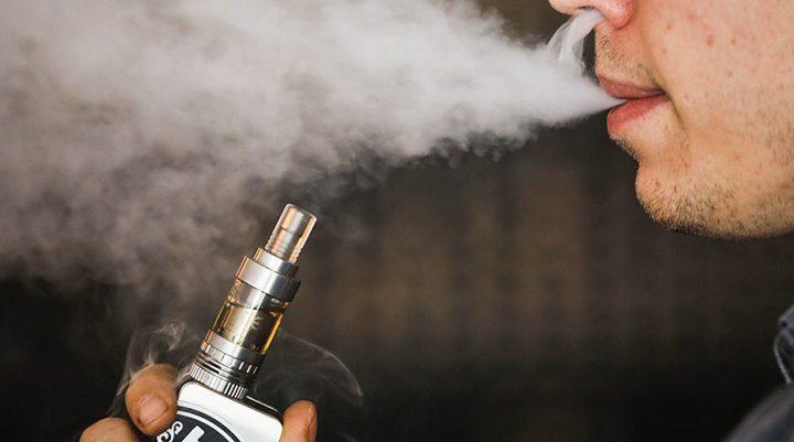 tigara electronica 720x401 Se cere si interzicerea tigarilor electronice in locurile publice
