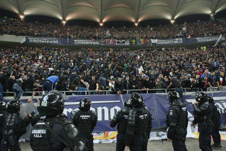 violente meci 720x481 Jandarmii   priceputi sa apere doar PSD ul, nu si stadioanele