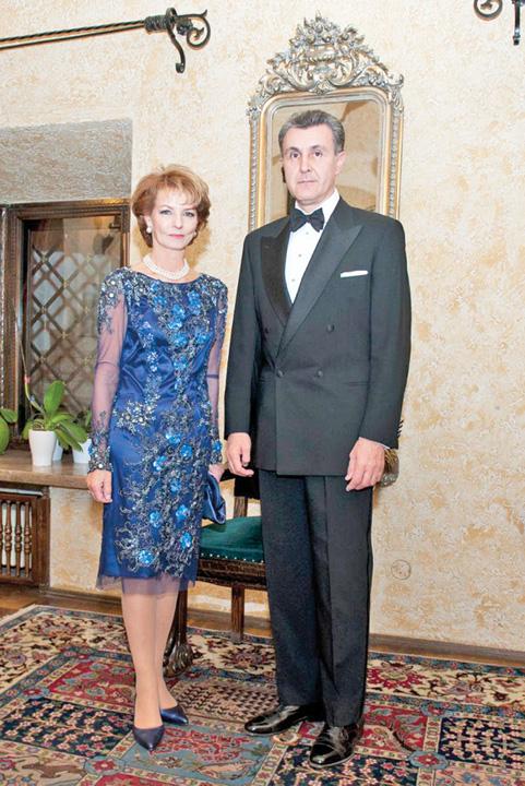 Principesa Mostenitoare si Principele Radu IV Principesa Margareta, cumparata de republicani cu un milion de euro pe an