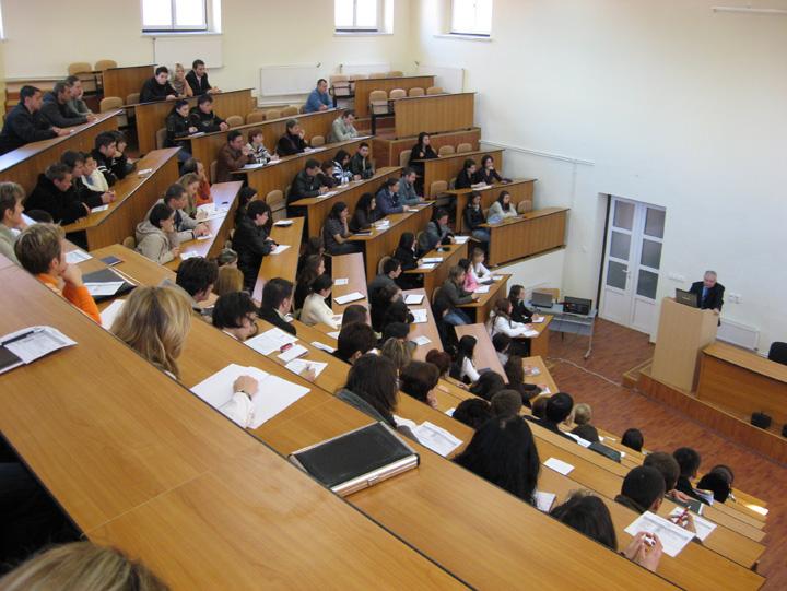 Studenti ULBS Studentii vor sa scoata politicul din invatamant