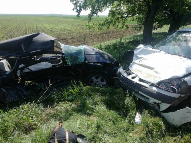 accident arad 667x500 Masina facuta praf in urma unei coliziuni pe DN 69: un mort si un ranit