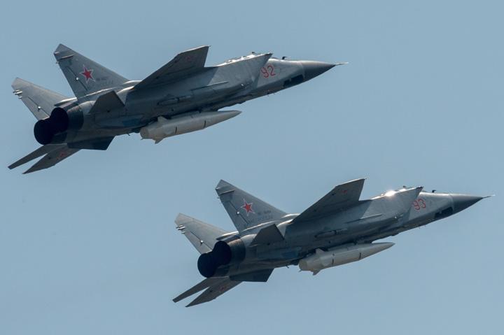 avioane Putin, ocupat cu defilarea