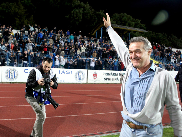 becali Gigi Becali, tradat chiar de supervedetele platite cu sute de mii de euro