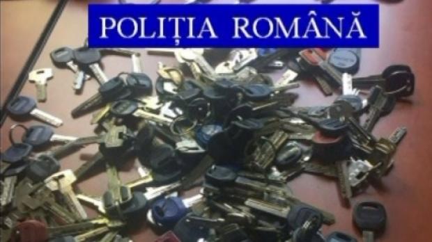 chei 75012200 Barbat gasit cu aproape 350 de chei asupra sa, in Bucuresti. Ce a urmat