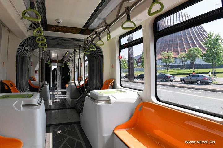 china1 Primul autobuz tren autonom