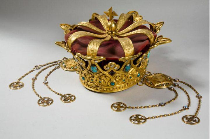 coroana 720x477 Coroana Reginei Maria, simbol al Marii Uniri