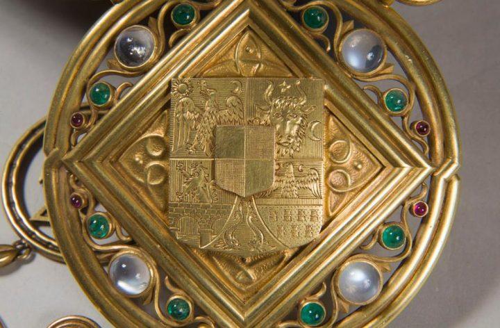 coroana2 720x472 Coroana Reginei Maria, simbol al Marii Uniri