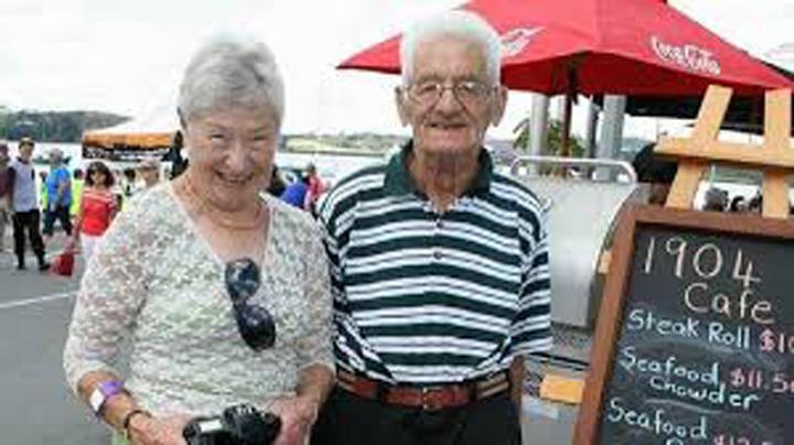 cuplu Au murit in aceeasi zi, dupa 61 de ani de casnicie