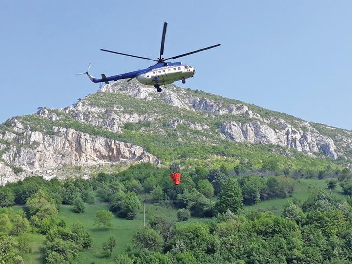 elicopter Tara arde, flota IGAV la pamant!