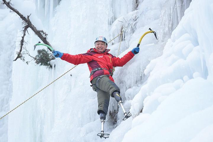 everest 1 La 69 de ani, fara picioare, pe varful Everest