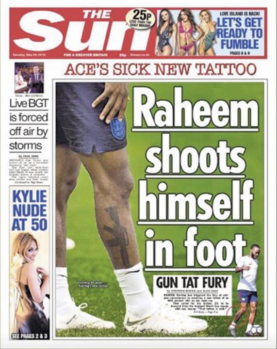 fotbalist 2 Fotbalistul cu un M16 pe gamba