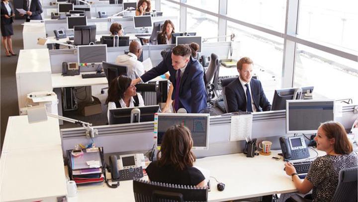 galagie birouri Doi din trei angajati sunt deranjati de galagia din birou