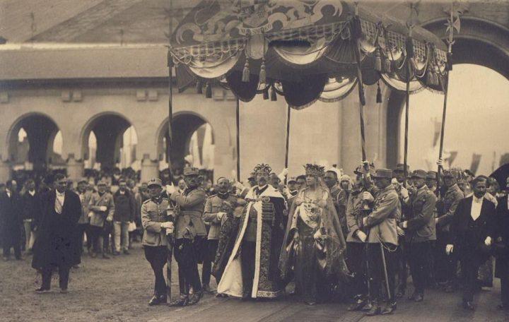 incoronare regina 720x456 Coroana Reginei Maria, simbol al Marii Uniri
