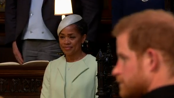 mama miresei Meghan Markle, superba in rochie de mireasa (VIDEO)