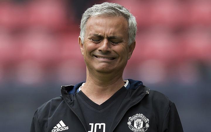 mourinho Mourinho, 800.000 de euro ca sa scape de puscarie