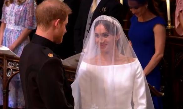 nunta 1 Meghan Markle, superba in rochie de mireasa (VIDEO)
