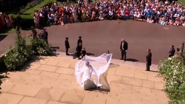 nunta 5 Meghan Markle, superba in rochie de mireasa (VIDEO)