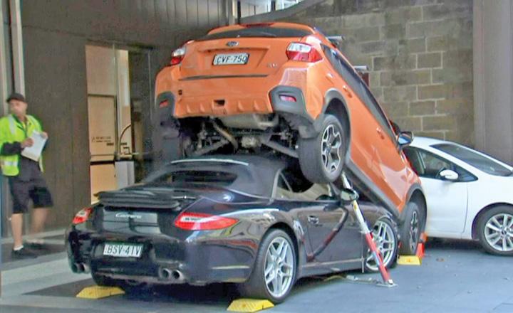 porsche A parcat un Porsche sub un SUV !