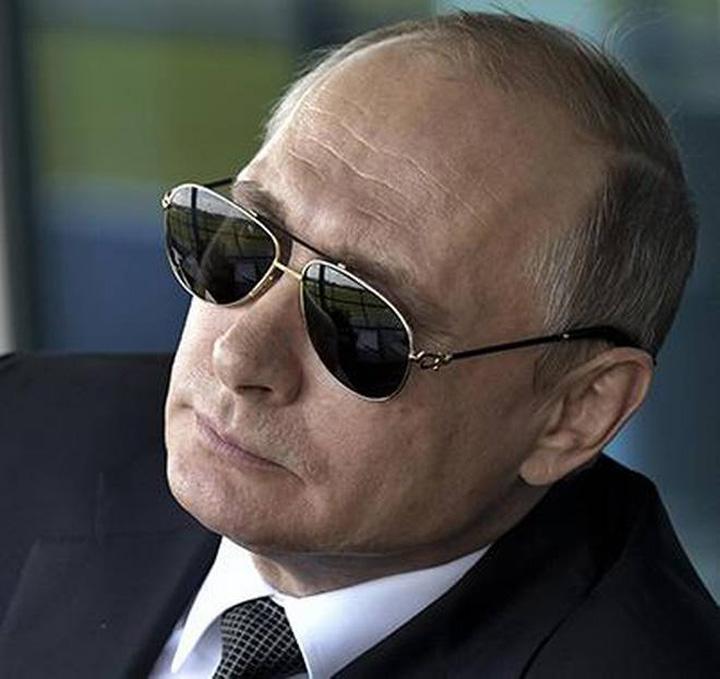 putin medalion Putin, reinvestit ca tar al Rusiei