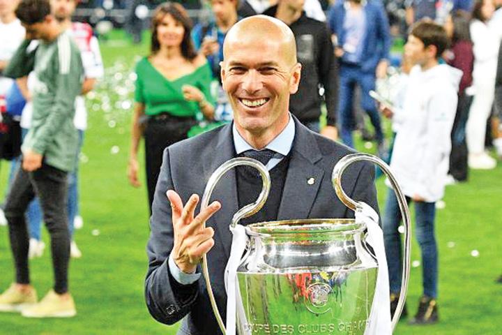 zidane 1 Cutremur la Real Madrid: Zidane pleaca!