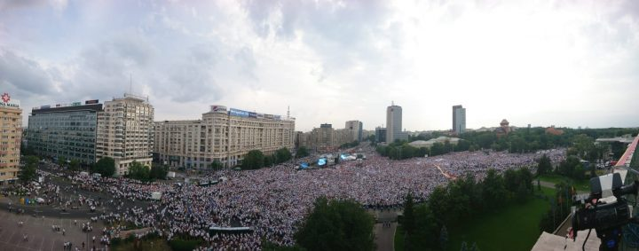 IMG 20180609 WA0014 720x283 Mobilizare fara precedent a PSD: peste 250.000 de oameni in Piata Victoriei (Galerie FOTO)