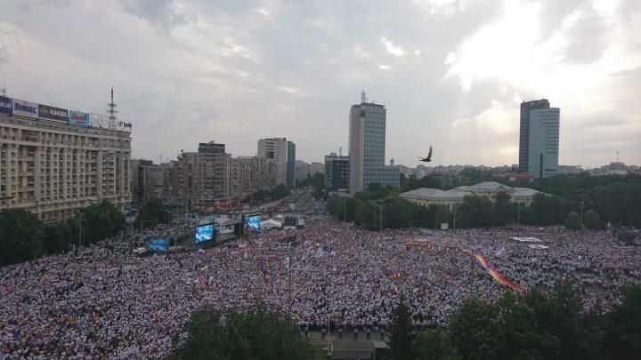 IMG 20180609 WA0017 720x405 Mobilizare fara precedent a PSD: peste 250.000 de oameni in Piata Victoriei (Galerie FOTO)