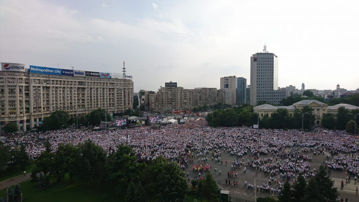 IMG 20180609 WA0018 720x405 Mobilizare fara precedent a PSD: peste 250.000 de oameni in Piata Victoriei (Galerie FOTO)