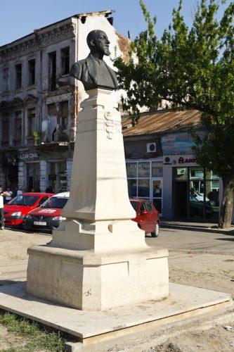 MG 3663 333x500 Doctorul Haralambie Botescu şi o viaţă dedicată Sănătăţii